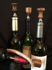 Medium Natural Wine Stopper