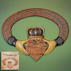 Wall Decor - Claddagh