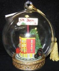 Christmas - Jim Thorpe Globe Decor