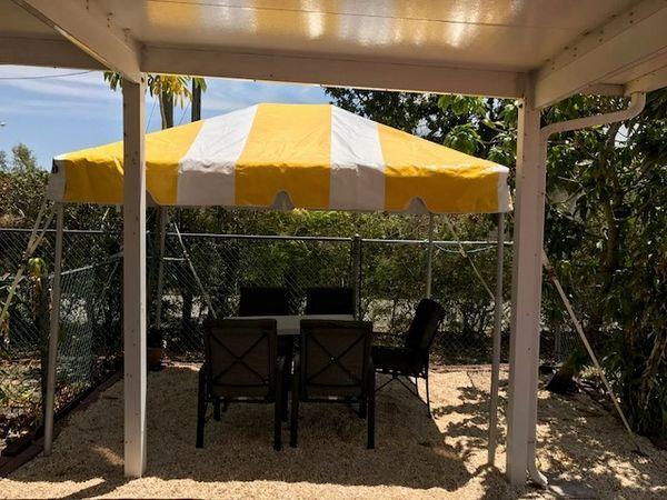 Yellow-Stripe Tent Top / Sidewalls
