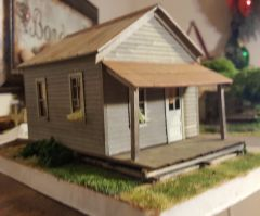 O Scale Company House