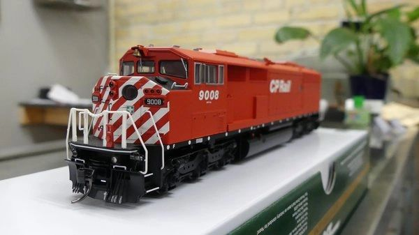 Bowser HO Scale (2nd Run) GMD SD40-2F CP Rail Round Port Hole & Sill Dots W/ Ditch Lights DCC Ready *Pre-order*