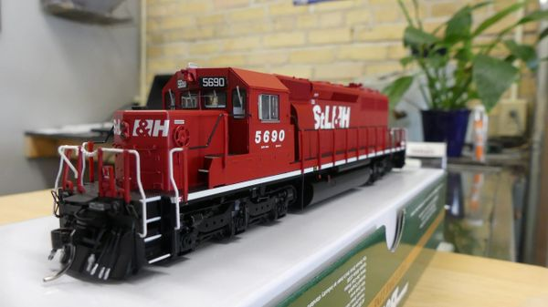 Bowser (2nd Release) Ho Scale St Lawrence and Hudson SD40-2 DCC & Sound W/Ditchlights