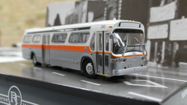 Ho Scale Rapido Pittsburgh (Port Authority) GMC Bus Standard Edition