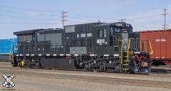 Scaletrains Rivet Counter Ho Scale Pennsylvania Northeastern C39-8 W Ditchlights DCC & Sound