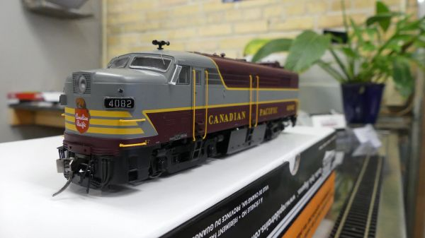 Rapido Ho Scale FPA-2 Canadian Pacific (Block Lettering) DCC & Sound