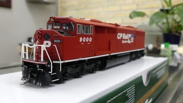 Bowser HO Scale (2nd Release) Canadian Pacific GMD SD-40-2F Dual Flags DCC W/ Loksound, Ditch Lights *Pre-order*