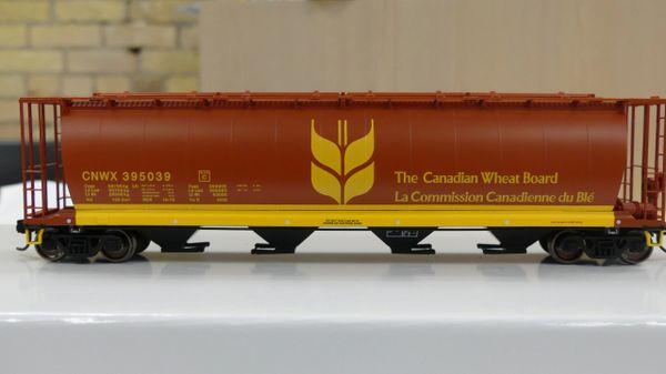 Walthers Mainline 59' Cylindrical Hopper CNWX Wheat Board
