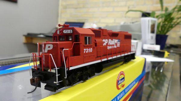 Athearn Ho Scale RTR GP38-2 CP Rail DCC Ready