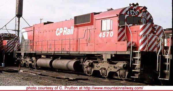 "Bowser Ho Scale M630 CP Rail 5"" Stripe W/ Water Tank, W/O Ditchlights DCC & Sound *Pre-order*"