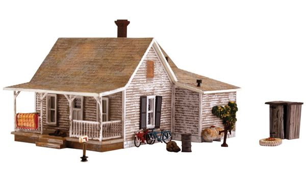 Woodland Scenics HO Scale Built & Ready Old Homestead
