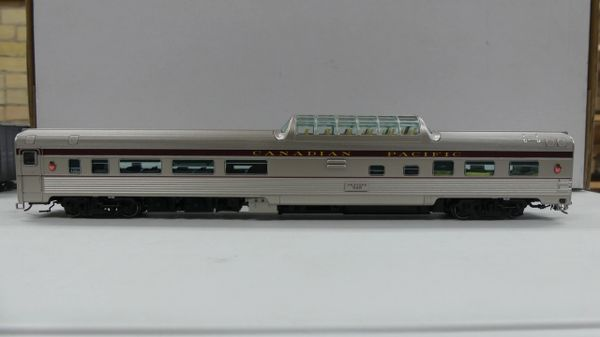Rapido Ho Scale Budd Mid Train Dome Cars Canadian Pacific