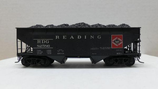 Kadee Custom 50 Ton AAR Standard 2 Bay Offset Open Hopper Reading #82586