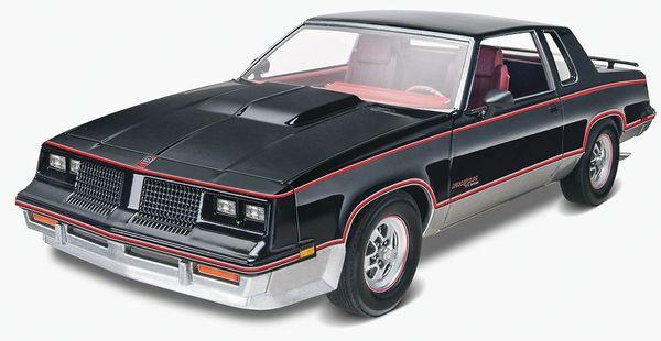 Revell 1/25 '83 Hurst Oldsmobile