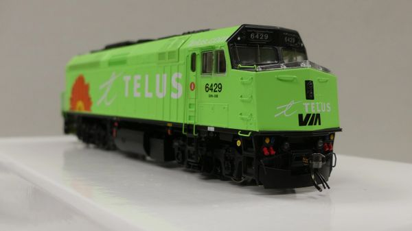 "Rapido Ho Scale Via Rail F40PH-2D #6429 ""Telus"" DCC & Sound"