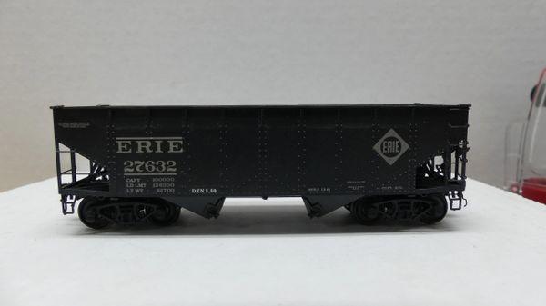 Intermountain Railway Ho Scale 50 Ton AAR Alternate 2 Bay Open Hopper Erie #27632 Weathered
