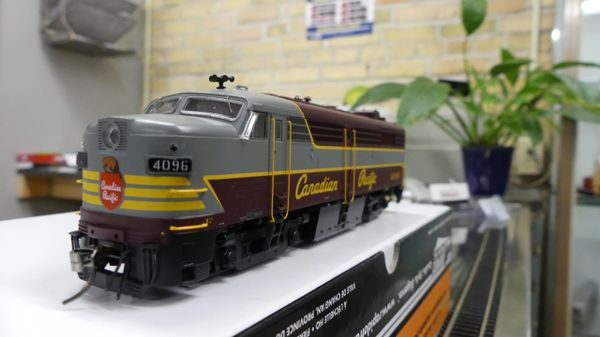 Rapido Ho Scale FPA-2 Canadian Pacific (Script Lettering) DCC W/Sound