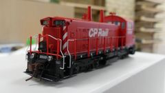 "Rapido Ho Scale Canadian Pacific SW1200RS 8"" Stripe, No Multi-mark W/ Ditchlights DCC Ready"