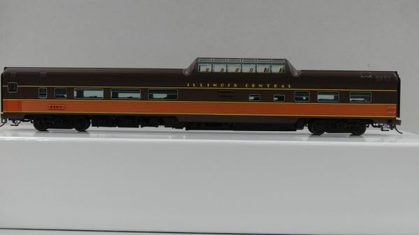 Rapido Ho Scale Budd Mid Train Dome Cars Illinois Central