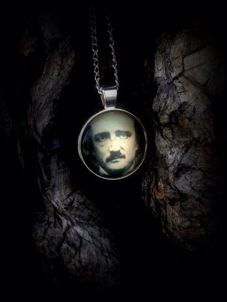 Poe, Necklace