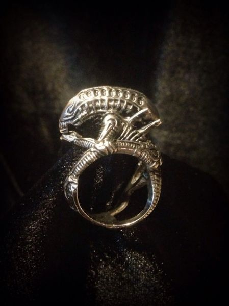 Alien Horror Ring