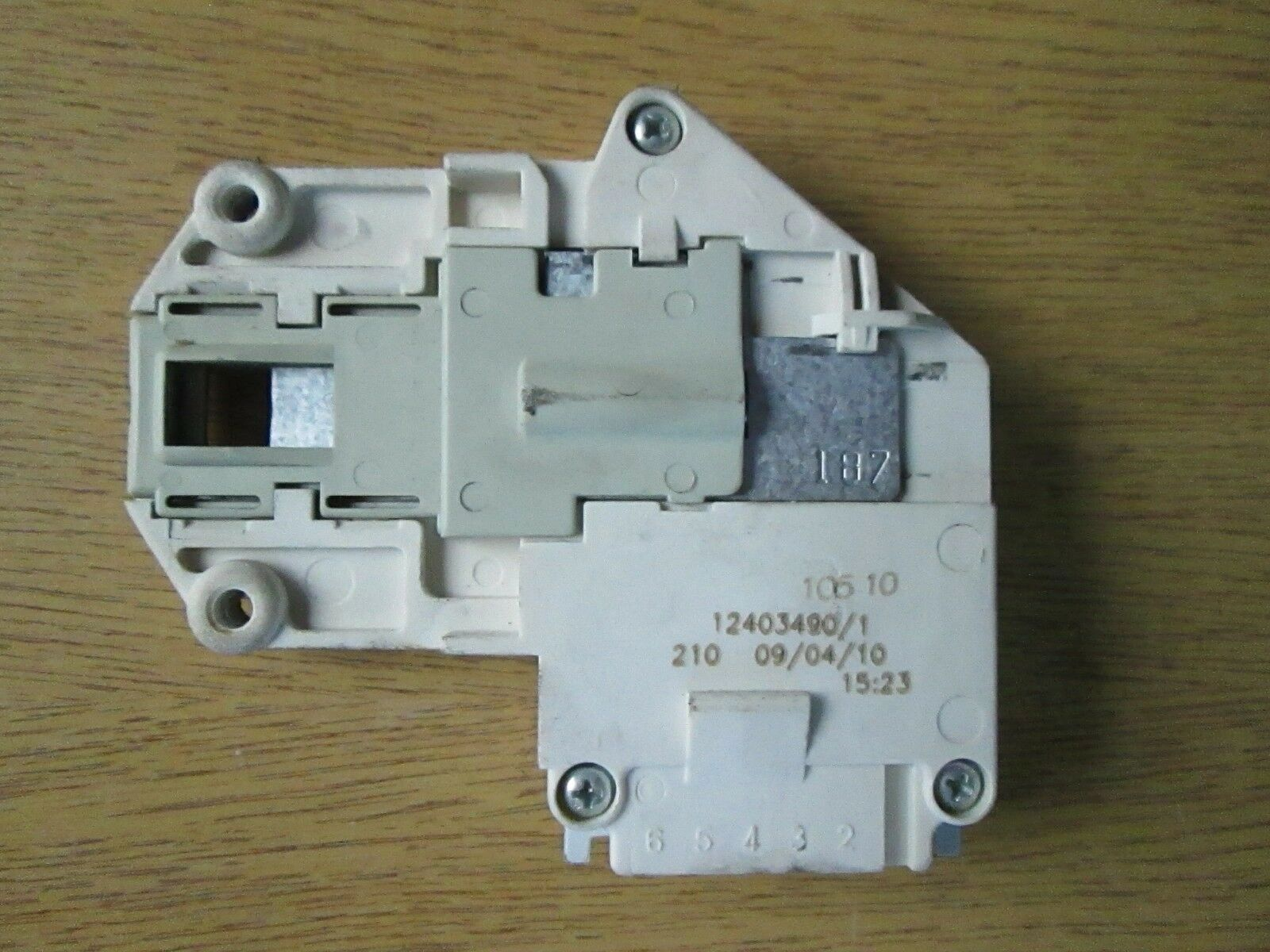 ZANUSSI ELECTROLUX WASHING MACHINE DOOR INTERLOCK GENUINE AEG