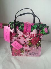 Gift Basket - Betsey Johnson Tote/Umbrella (Pink)