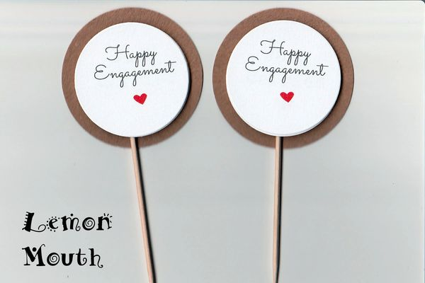 HAPPY ENGAGEMENT CUPCAKE TOPPERS