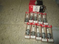 HY14 CHAMPION COOPER PLUGS NOS VINTAGE COMPLETE BOX OF 10 50 -60S STUDEBAKER AMERICAN MOTORS