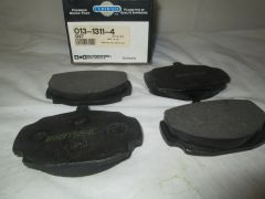 D27 CERTIFIED FRONT DISC PADS NEW