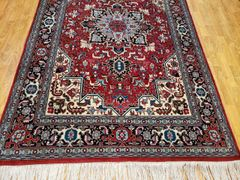 #5011 HANDWOVEN PERSIAN 100% PURE WOOL TABRIZE RUG SIZE 4'x7'