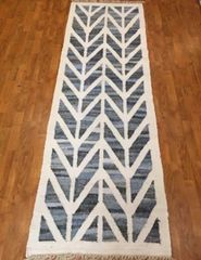 "#L00528 DECORATIVE HANDWOVEN FLAT WEAVE DESIGNER RUNNER SIZE 2'6""X8'"
