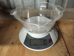 Feed / Supplement Scale 10,000g X 0.1g