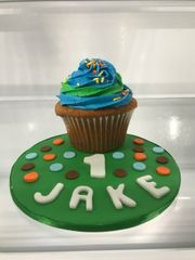 Jumbo cupcake smash cake