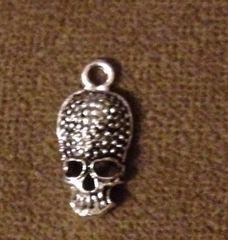 525. Elongated Forehead Skull Pendant