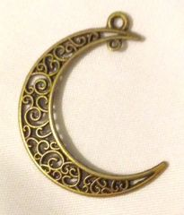 1629. Moon Connector Pendant