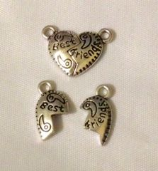1215. Best and Friends Pendants