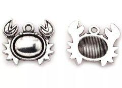538. Crab Pendant