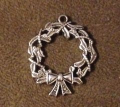 1057. Wreath Pendant