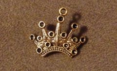 630. Golden Pointed Crown Pendant