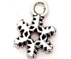 425. Small Snowflake Pendant