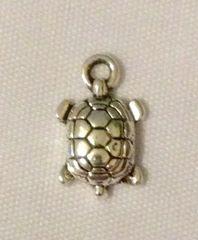 1227. Small Turtle Pendant