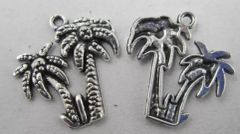 558. Double Palm Tree Pendant