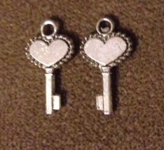 403. Small Solid Heart Key Pendant