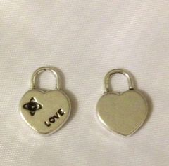 1191. Love Lock Pendant
