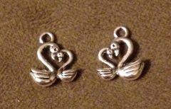 745. Two Swan Pendant