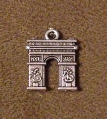 803. Arc De Triumph Pendant