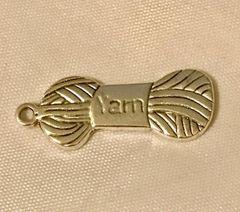 1708. Yarn Pendant