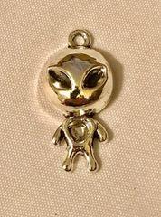 1768. Alien Pendant