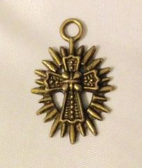 1548. Cross Pendant